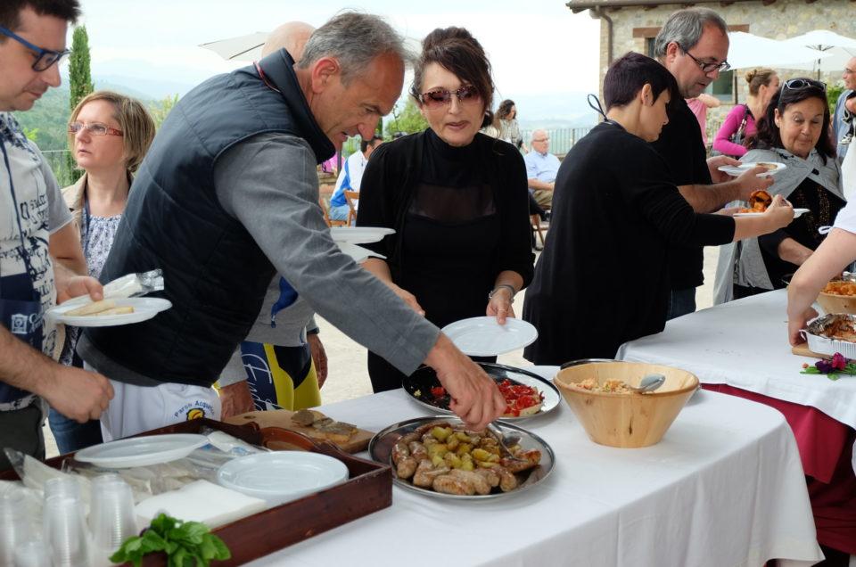 Foto buffet cantine aperte a Vitalonga